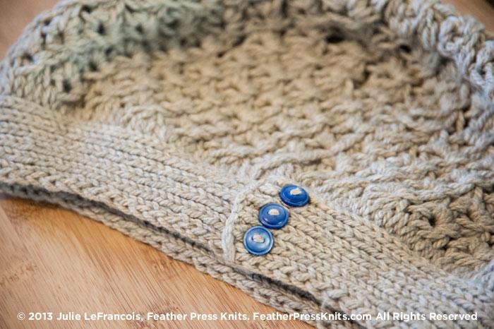 DSC_5611-cowell-beach-beret-buttons